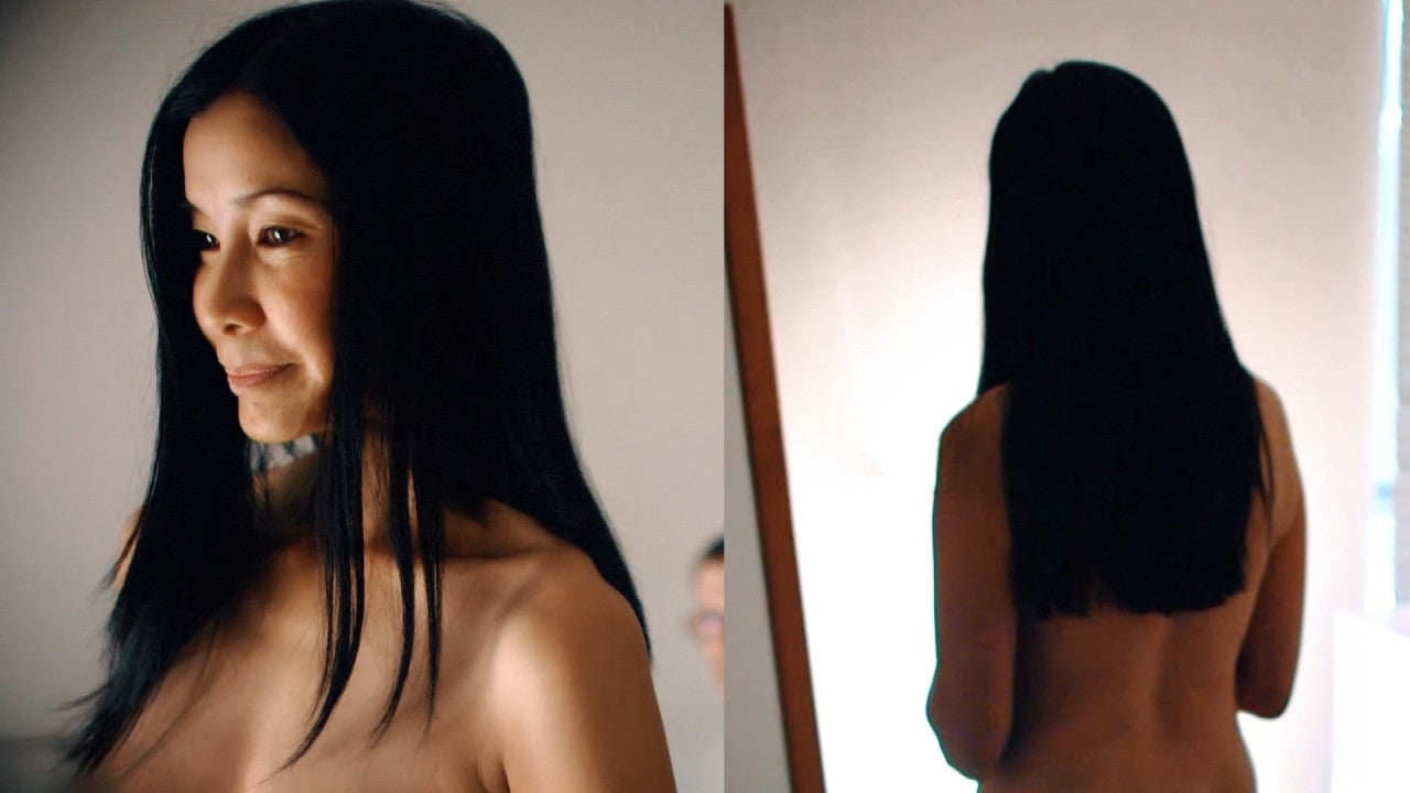 lisa ling spontaneously gets naked during cnn show