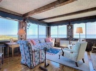 Taylor Swift Buys Mansion Next to Kennedy Compound ... | 314 x 230 jpeg 68kB