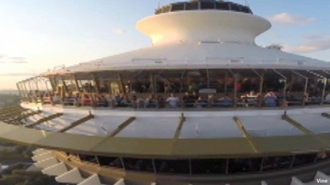 Space Needle Visitors Come Face To Face With Drone