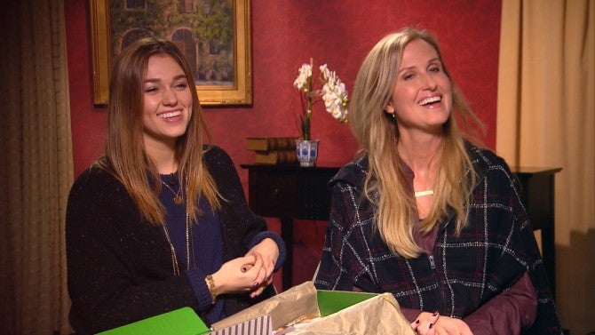 Duck Dynasty's Sadie Robertson Gives Back This Christmas