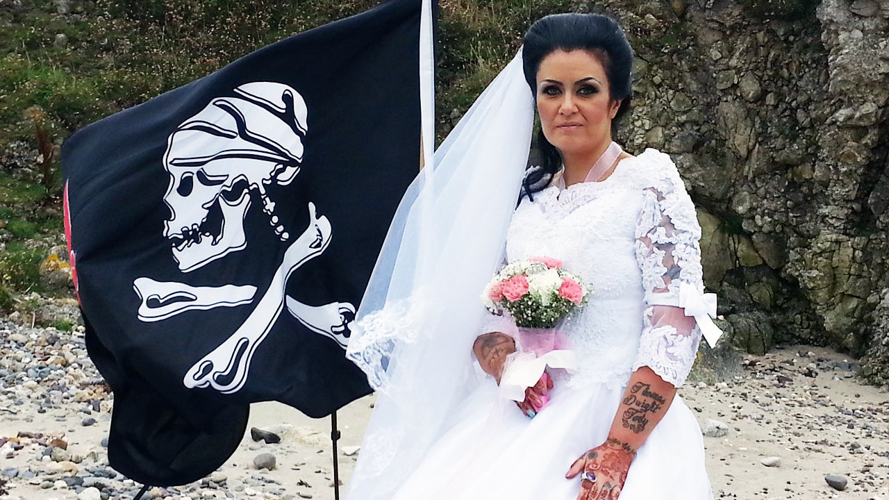 pirate woman captain