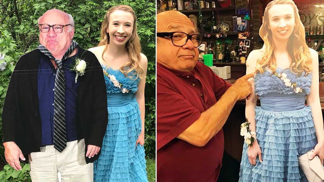 Always Sunny In Philadelphia Clips danny devito brings cardboard clips of teen to set of