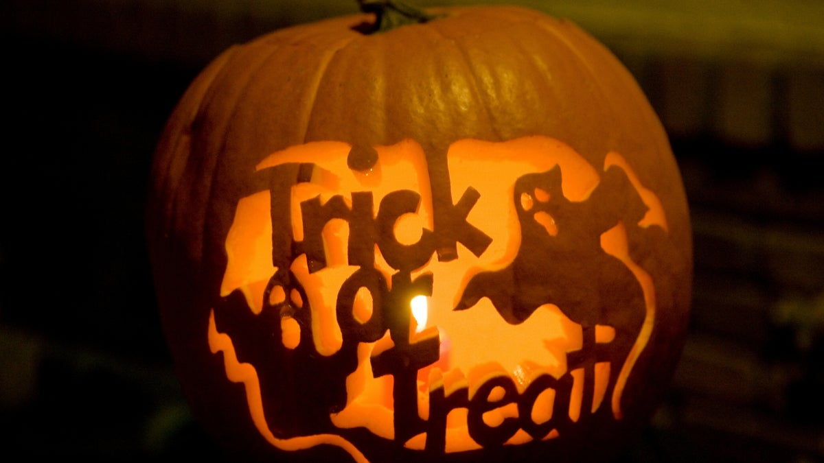 the dangers of trick-or-treating: 4 tips to protect your kids this