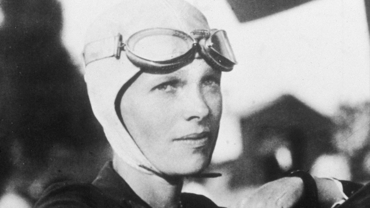 Did Amelia Earhart Set Up Camp on a Remote Island After Crashing in Pacific?
