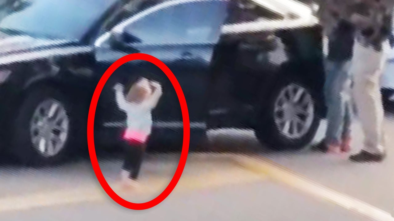 Toddler Raises Her Arms As Dad Is Arrested In Florida