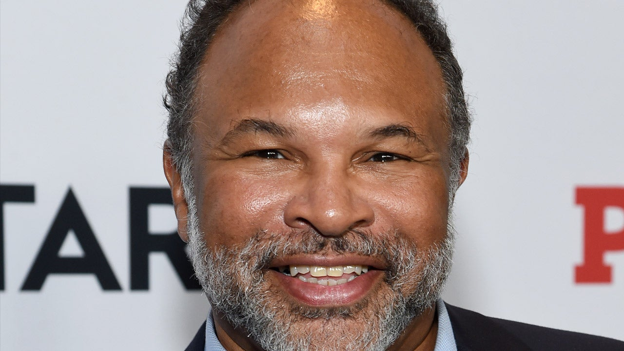 Geoffrey Owens Quits Job at Trader Joe's a Year After Photo of Him Working There Went Viral