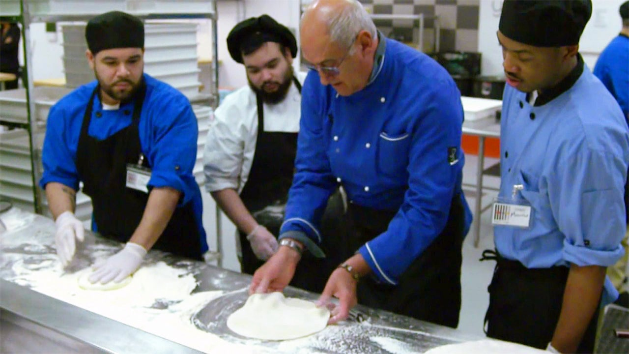 Chicago Chef Trains Inmates to Work in Professional Kitchens
