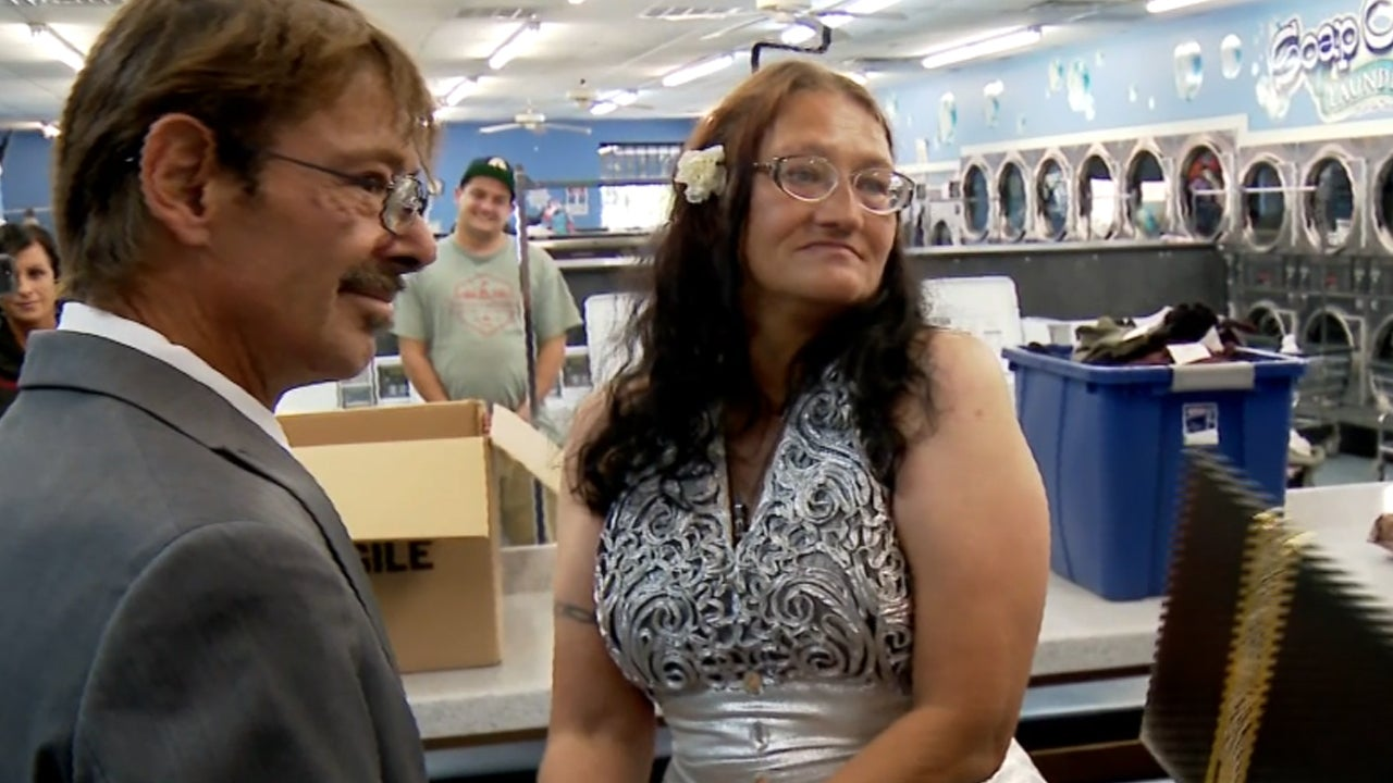 Homeless Couple Ties the Knot at Laundromat in Sweet Ceremony