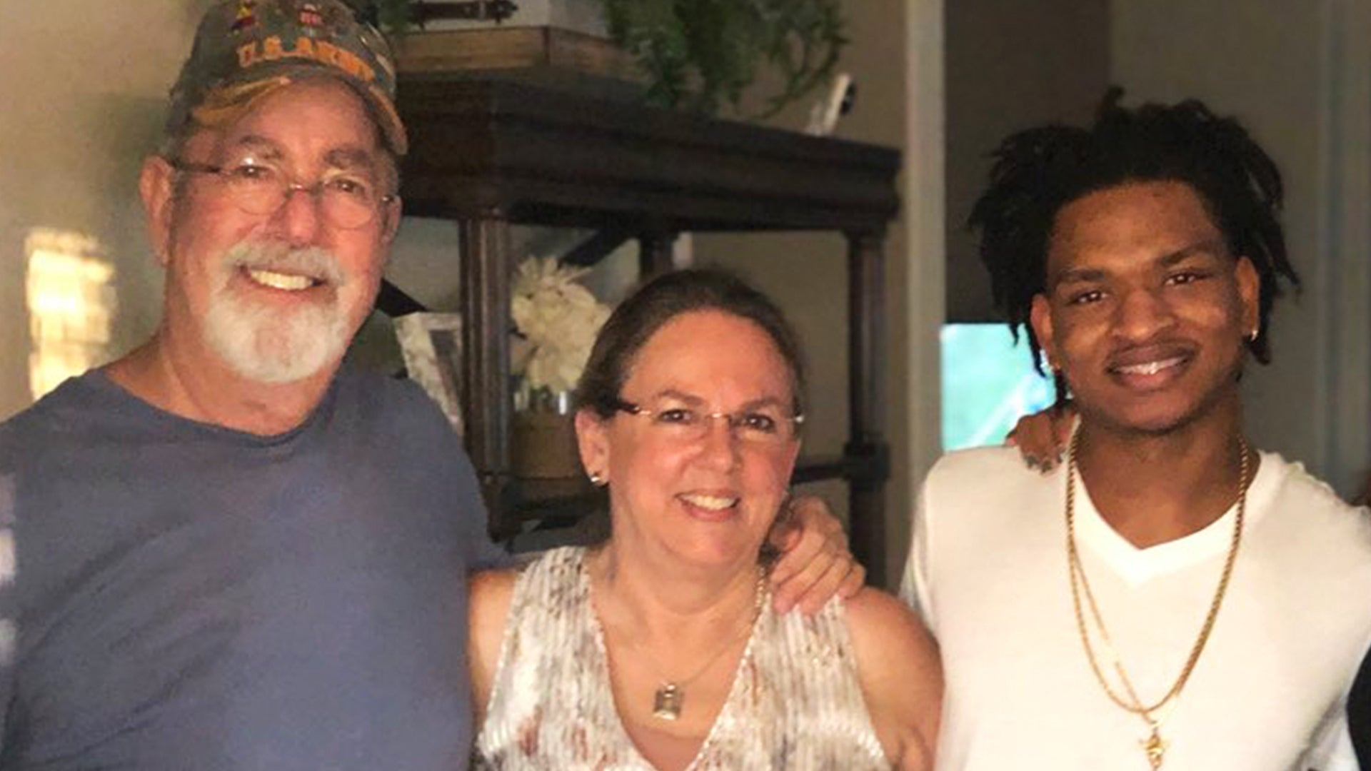 Thanksgiving Grandma and Teen Continue Tradition After Husband Dies of COVID-19