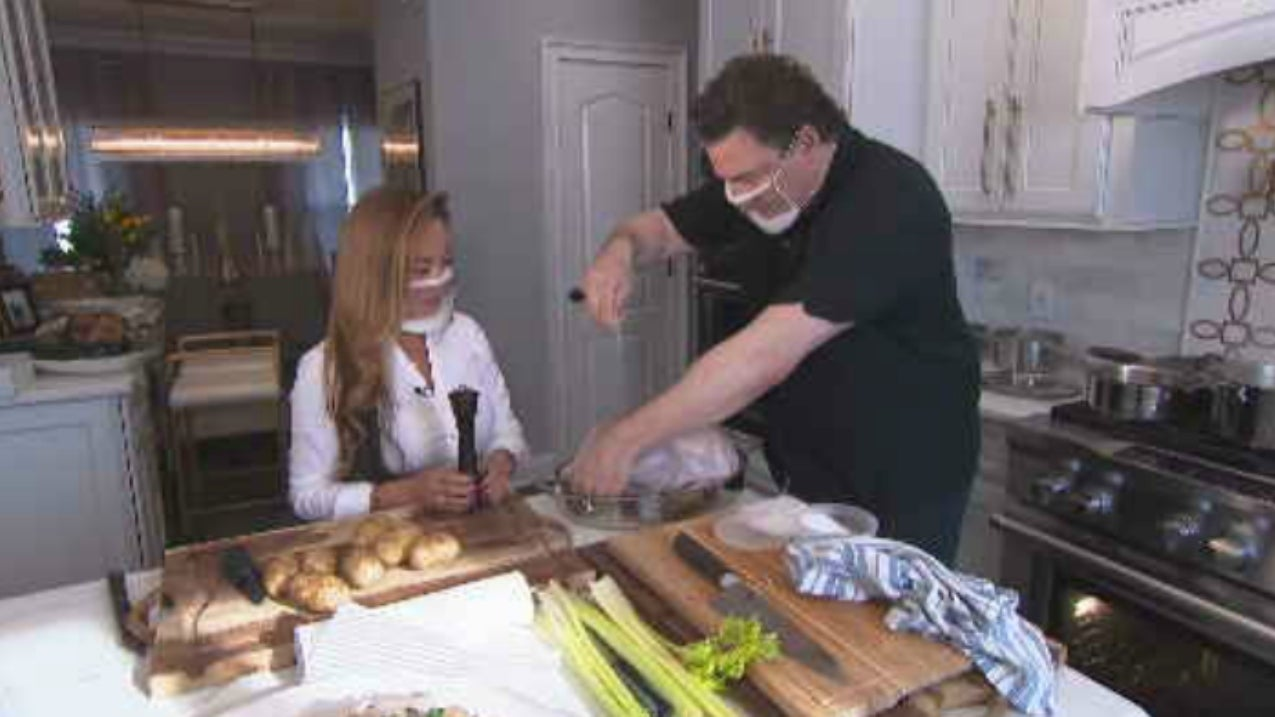 Celebrity Chef Rocco DiSpirito Shows 1st-Time Thanksgiving Cooks How to Make a Turkey