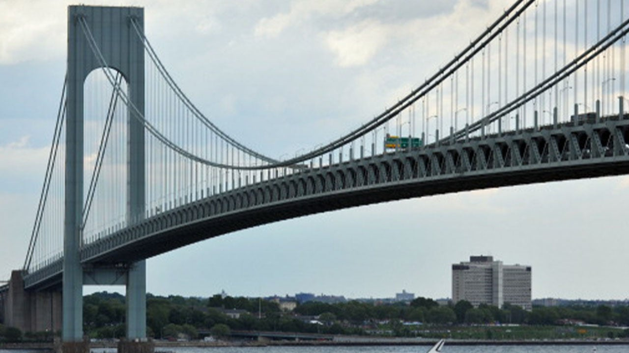 Verrazzano Bridge Seen Rocking Back and Forth After Storm Hits New York