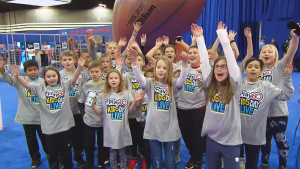 Kids Challenge Kelleth Cuthbert to Super Bowl Obstacle Race