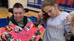 Teen With Cerebral Palsy Plans Sweet Promposal With Help of High School Choir