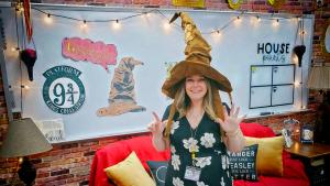 Maryland English Teacher Turns Her Classroom Into Real-Life Hogwarts
