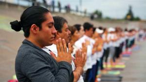 Yoga Class Held at U.S.-Mexico Border Promotes Unity Without Walls