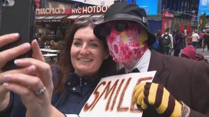 'Dr. MooMoo' Gives $100 Bills to Complete Strangers on the Streets of New York