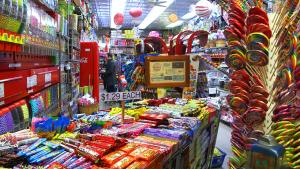 New York's Economy Candy Is an Old School, Family-Run, Sweets-Lover's Dream