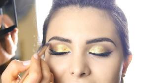 How to Get Glam for the Holidays
