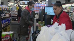 How to Prevent Bringing Home Coronavirus While Buying Groceries
