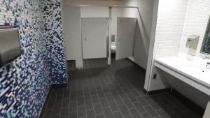 Safety Tips for Using Public Restrooms During the Coronavirus Pandemic
