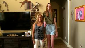 17-Year-Old Maci Currin Has the Longest Legs in the World