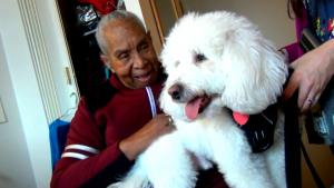 85-Year-Old Great Grandmother Gets Visits from Puppy While Isolated from Family
