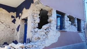 6.2 Magnitude Earthquake Damages Buildings and Scares People in Central Greece