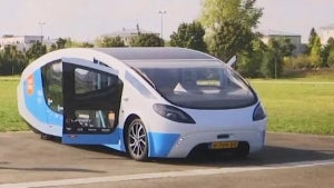 Solar-Powered Van Made by College Students Drives Through Paris