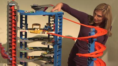 InsideEdition.com's Keleigh Nealon tests out the Hot Wheels Super Ultimate Garage.