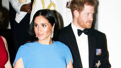 Meghan Markle appeared at the state dinner in Fiji sans tiara last Fall.