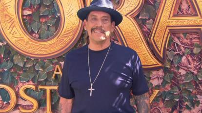 "The 75-year-old ""Machete"" actor came to the rescue Wednesday after two cars T-boned at a Los Angeles intersection."