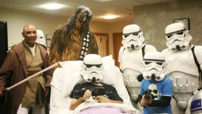 Dying man gets his wish to see new 'Star Wars' movie ahead of its opening.