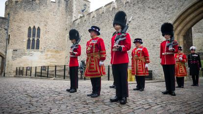 Tower of London Beefeaters Face Job Cuts For First Time in 535 Year History.