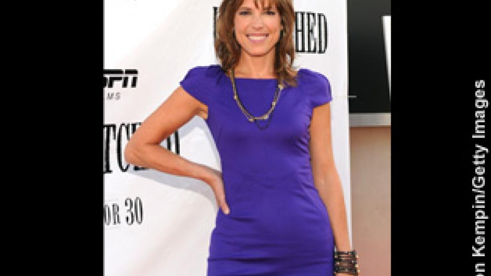 05df3ae66cf7 ESPN Reporter Hannah Storm s Wardrobe Causes Controversy Again ...