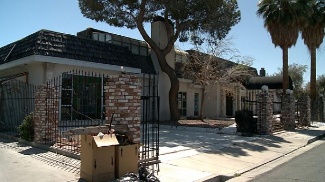 liberace u0026 39 s las vegas mansion in foreclosure inside edition