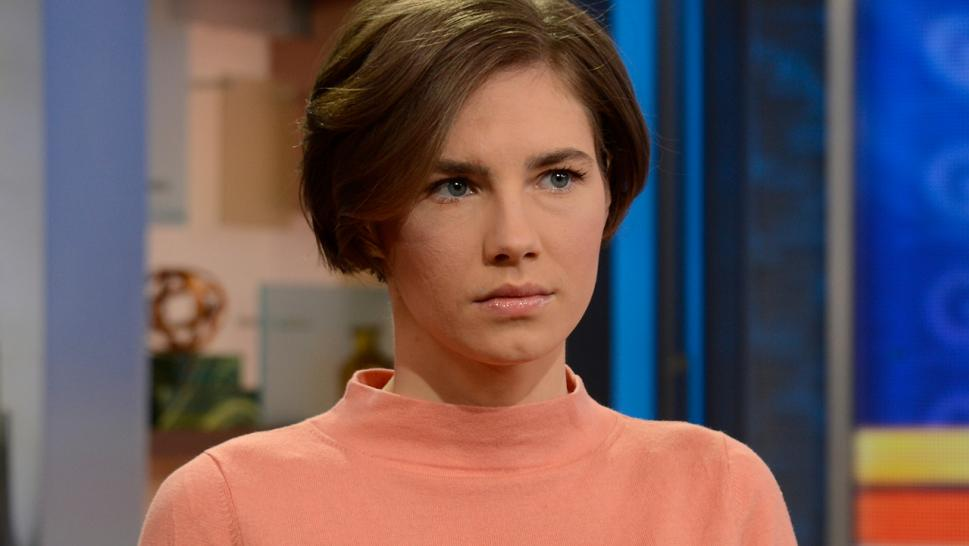 amanda knox memorializes meredith kercher in essay on anniversary  amanda knox has published an essay memorializing her former roommate meredith kercher on the