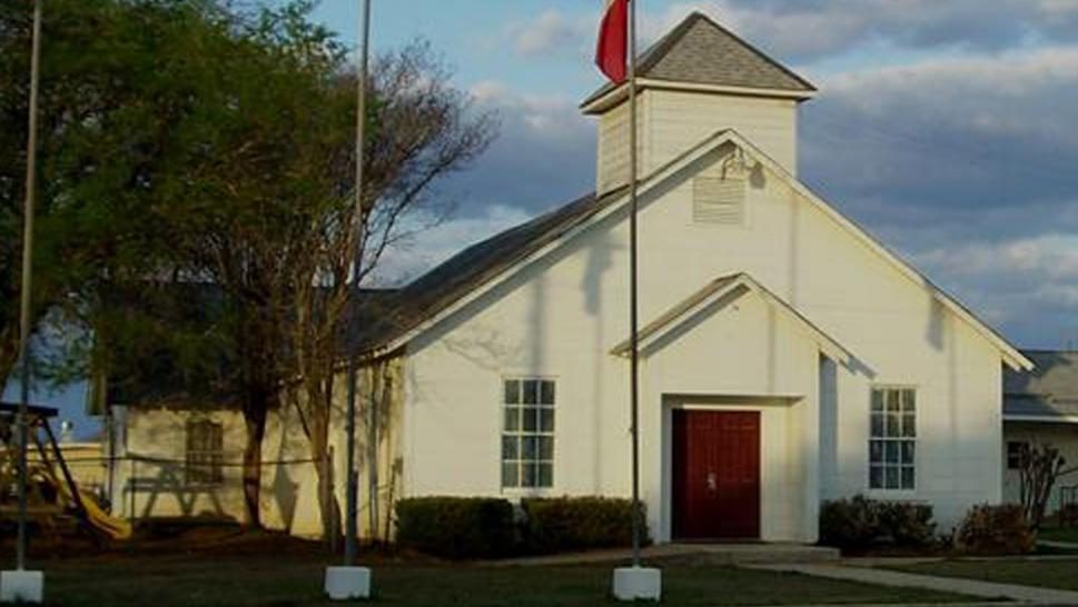 Gunman wounds several during Sunday church service in Texas