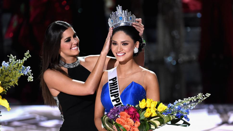Pia Wurtzbach is crowned Miss Universe.