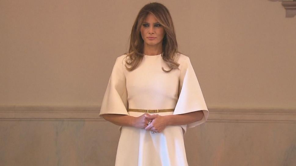 First lady goes with classic, traditional Christmas decor