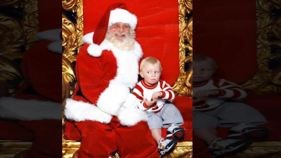 Toddler Uses Sign Language to Signal Help from Santa Clause