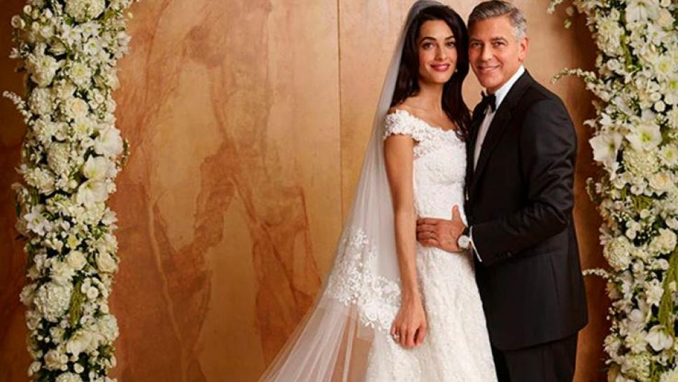 Amal Clooney Wowed In This Oscar De La A Gown