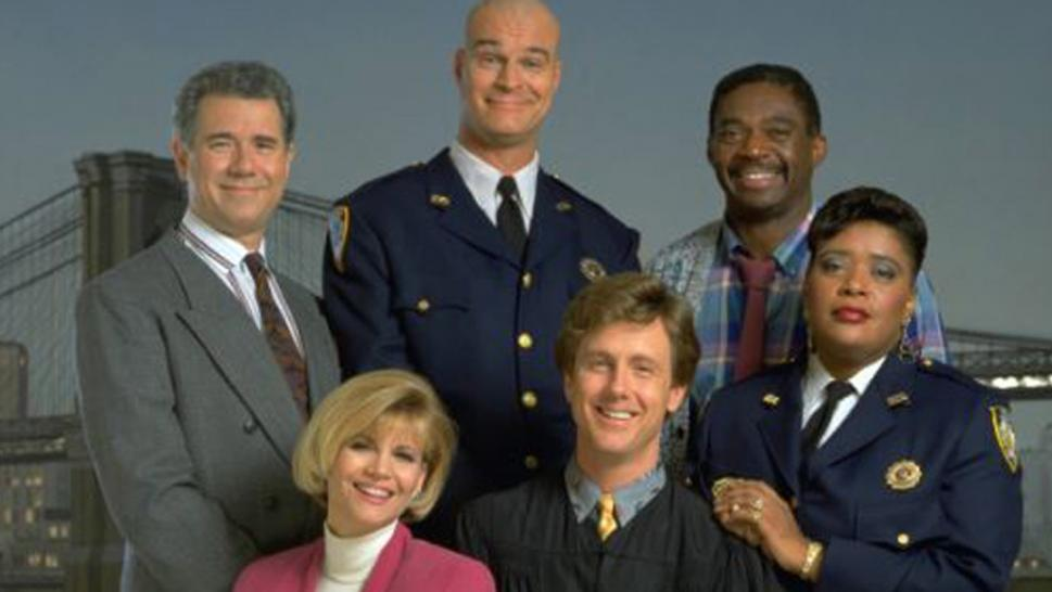Harry Anderson starred in 1980s-1990s sitcom 'Night Court.'