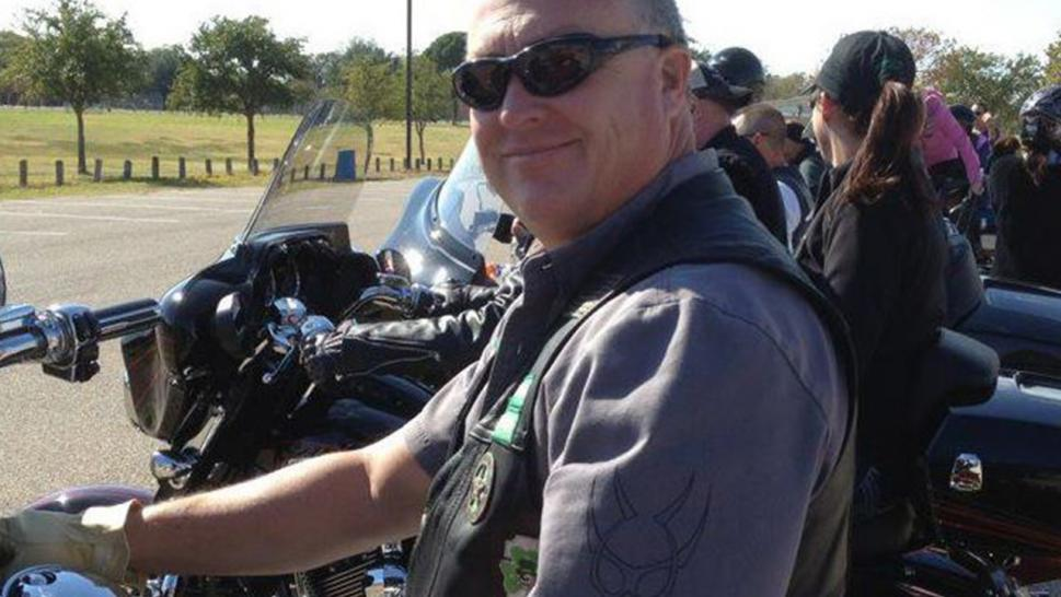 Dallas cop killed in officer's funeral procession