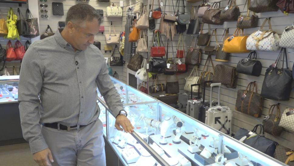 Pawn shops are seeing more clients since government shutdown.