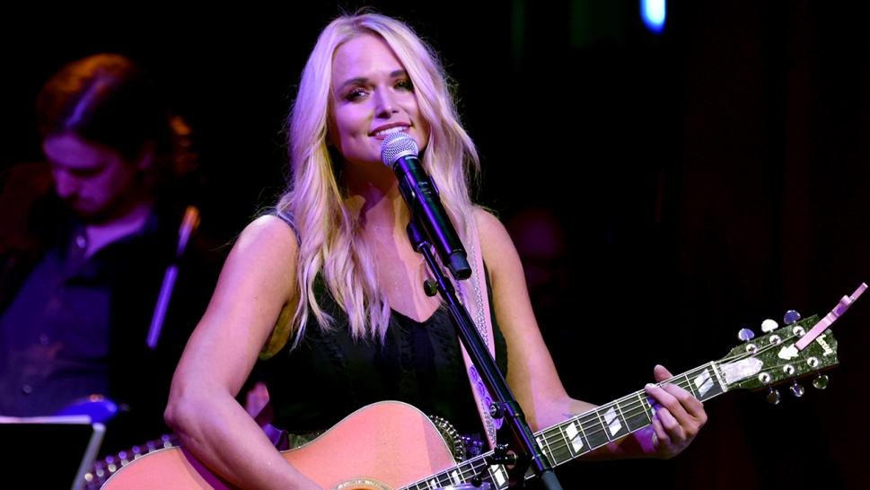 Miranda Lambert reportedly dumped a salad on a woman at a Nashville restaurant.
