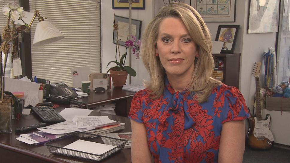 Inside Edition's Deborah Norville revealed she will take time off to undergo surgery to treat a cancerous thyroid nodule.