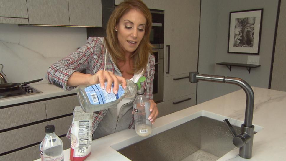 Barbara Majeski shows Inside Edition a hack to clean your water bottle.