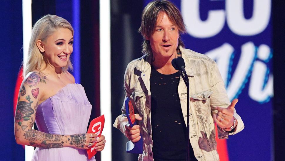 Keith Urban later took to Twitter to thank fans for voting for him and Julia Michaels for the award.