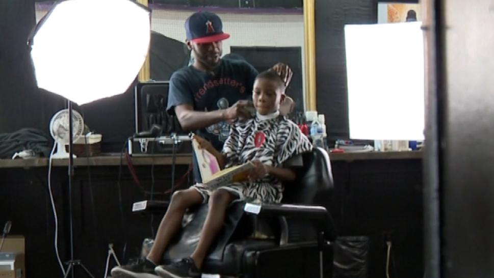 Tennessee Barber Gives Discount Haircuts to Kids Who Read in Chair