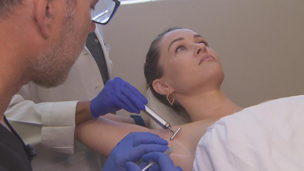Inside Edition got an inside look as actress Ambyr Childers got Botox injections in her armpits with her best friend Alana Sands.
